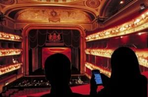 Socializate en el teatro